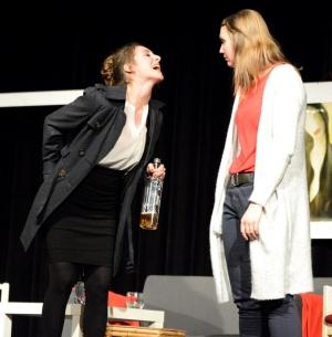 """""""Der Gott des Gemetzels"""" in Neunburg vorm Wald (OVIGO Theater 2015)"""