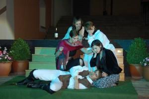 """OVIGO Theater, """"Faust"""" (Vorgängerensemble), u.a. mit Julia Gruber"""
