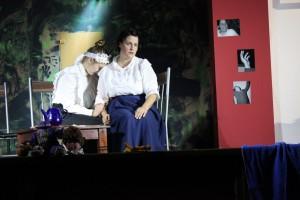 """OVIGO Theater / """"Die Verwandlung"""" / Dienstmädchen bei Frau Samsa"""