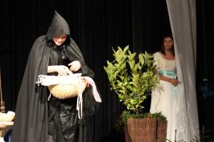 """OVIGO Theater, """"Schneewittchen"""", Barbara Kießling als Stiefmutter"""