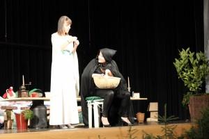 """OVIGO Theater, """"Schneewittchen"""", Lisamarie Berger und Barbara Kießling"""
