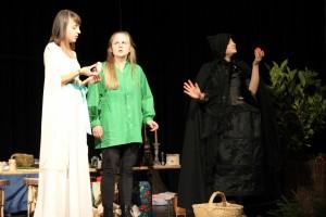 "OVIGO Theater, ""Schneewittchen"", Lisamarie Berger, Maria Wabra, Barbara Kießling"