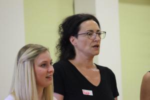 Tanja Kerscher (rechts), OVIGO Theater