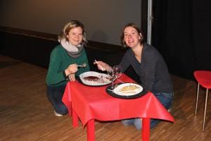 Eva Thaller und Martina Baumer nach der Aufführung (OVIGO Theater 2016)