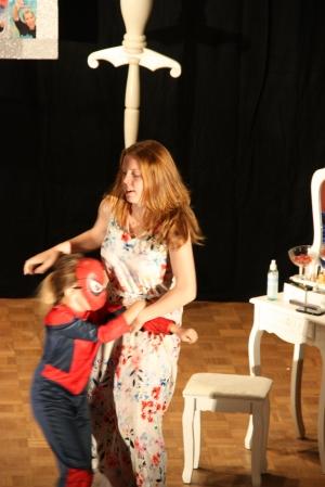"""""""Diamond Lucy"""" (OVIGO Theater 2015), Eva Schönberger und Antonia Schneider"""