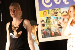 """OVIGO Theater, """"Diamond Lucy"""" mit Julia Gitter und Antonia Schneider"""