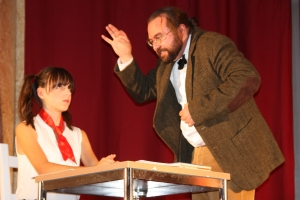 """OVIGO Theater, """"Die Unterrichtsstunde"""" in Oberviechtach"""