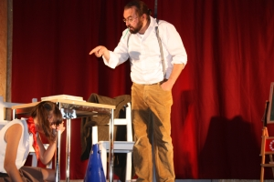 """OVIGO Theater, """"Die Unterrichtsstunde"""", Florian Waldherr und Lisamarie Berger (2015)"""