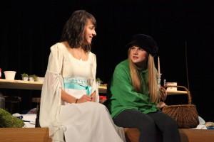 """OVIGO Theater / """"Schneewittchen"""" / Lisamarie Berger und Maria Wabra"""