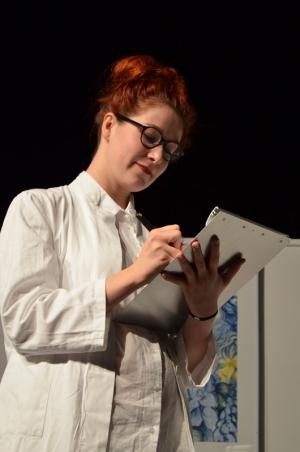 "OVIGO Theater, ""Dr. med. Hiob Prätorius"" (2014), Eva Rost"
