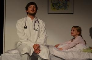 "OVIGO Theater, ""Dr. med. Hiob Prätorius"" (2014), Florian Wein mit Eva Schönberger"