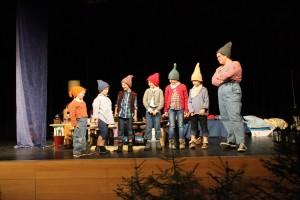 """""""Schneewittchen"""" und die 7 Zwerge (OVIGO Theater 2016)"""