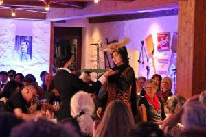OVIGO, Dinner mit Killer, Brauerei Jacob, Sophia Ströhl (rechts)