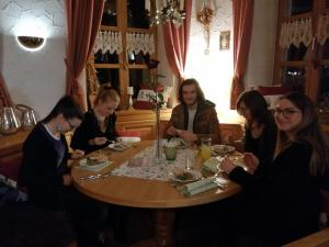 """Dinner mit Killer"" in Tännesberg, OVIGO"