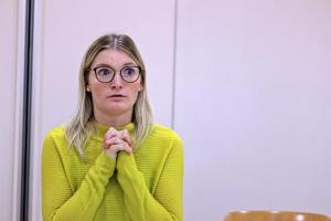 Julia Gitter als Lena, Eine ganz heiße Nummer (Probe)