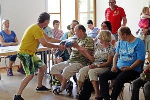 Stefan Neubauer bei der OVIGO-Impro für eine Behindertengruppe