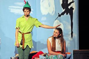 Theresa Weidhas als Peter Pan (OVIGO Theater)