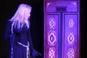 """Christina Götz, """"Scrooge"""", OVIGO Theater"""