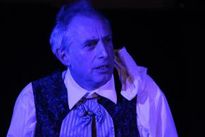 Bernhard Zellner als Scrooge (OVIGO Theater)