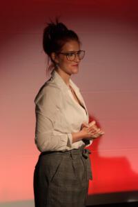 Bundesfreiwillige Ingrid Schramm, OVIGO Theater