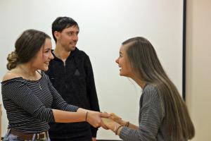 Selina Probst (rechts), OVIGO Theater-Training