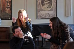 OVIGO Theater-Training (mit Isabella Danzl, rechts)