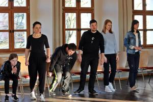 OVIGO Theater-Training (mit Amelie Kreiß, links)