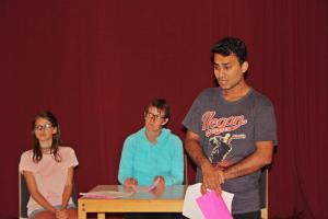 Junaid Bajauri beim OVIGO Theater-Training